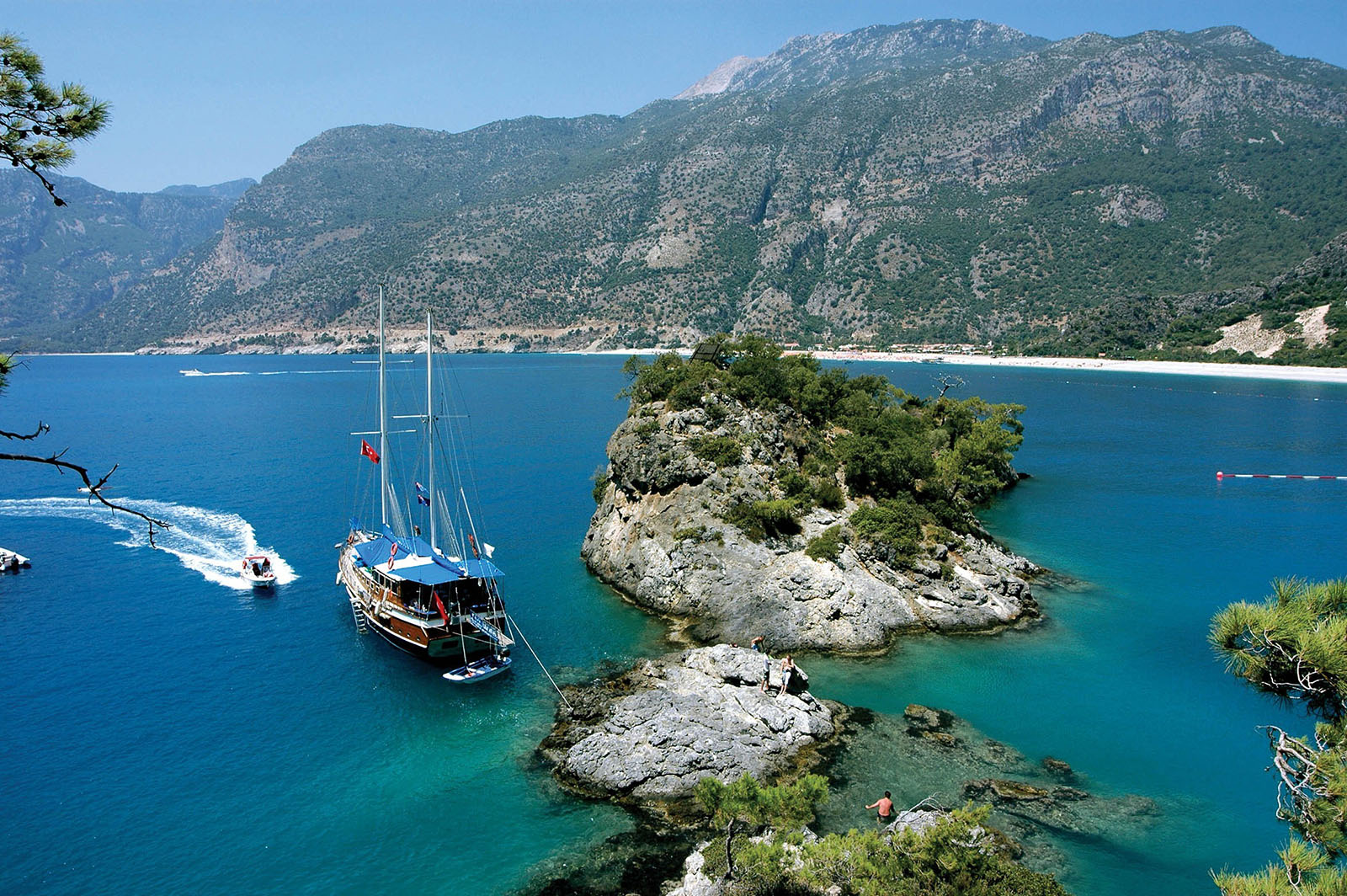 YACHT CHARTER BODRUM, Dayin yacht charter bodrumWe set sails earlay in the morning , lets us not be late for the breakfast in calm and peaceful waters of cati bay, when you wake up in the morning